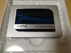 Crucial MX500の製品表側