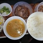 松屋の牛焼肉と牛カルビの鉄板コンビ生野菜豚汁セットライス大盛